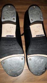Capezio black leather womans/ girls tap shoes size 5.5