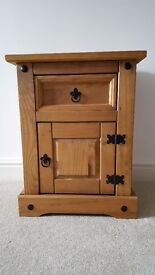 Corona Solid Pine Wood Bedside Cabinet 1 Door 1 Drawer Night Stand Table