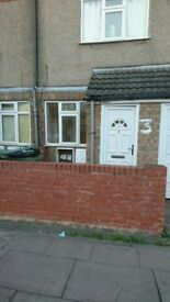 DUE TO ANNUAL LEAVE VIEWINGS POSTPONED UNTIL 19/03/18 Large 1 bed maisonette £325 pcm