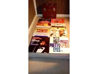 VINTAGE / RETRO RECORDS CARRYING CASE,WITH,12 X 12.INCH VINYL LP'S-EX