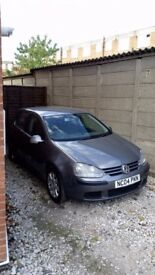 Sell volkswagen golf very good condition.