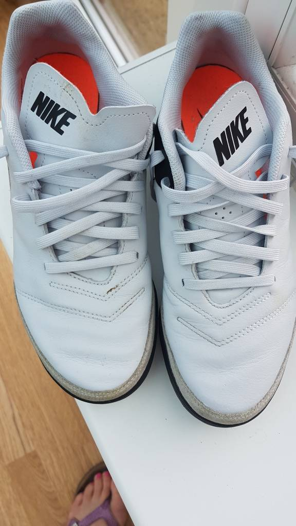 NIKE Tempo astro turf trainers size 6.5