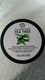 NEW - Body shop tea tree skin clearing mask