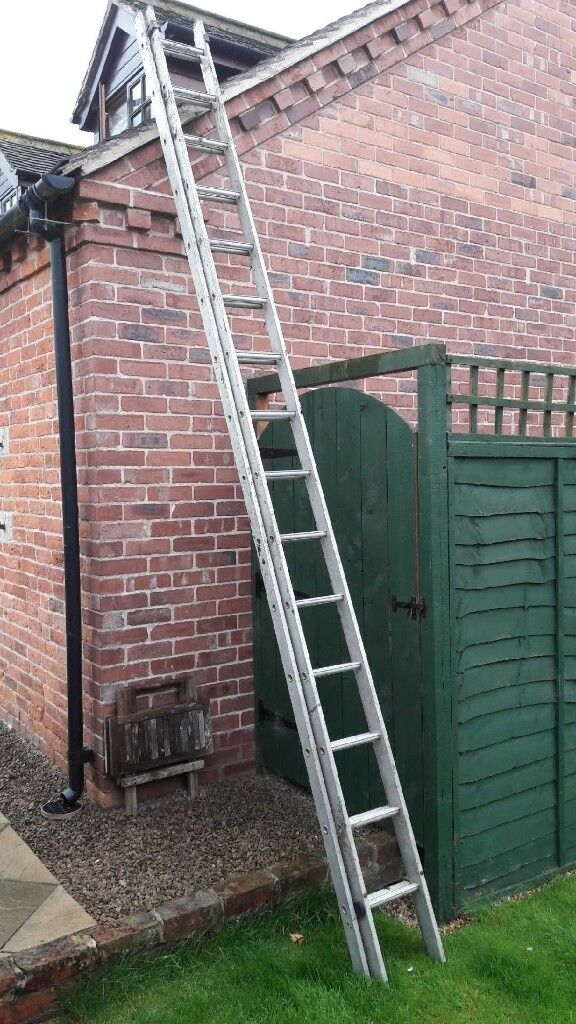 Double extension lightweight alloy ladders from 4 -8 metres