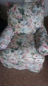 Flower texture Armchair - comfy and in excellent condition