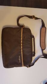 brown Samsonite laptop bag