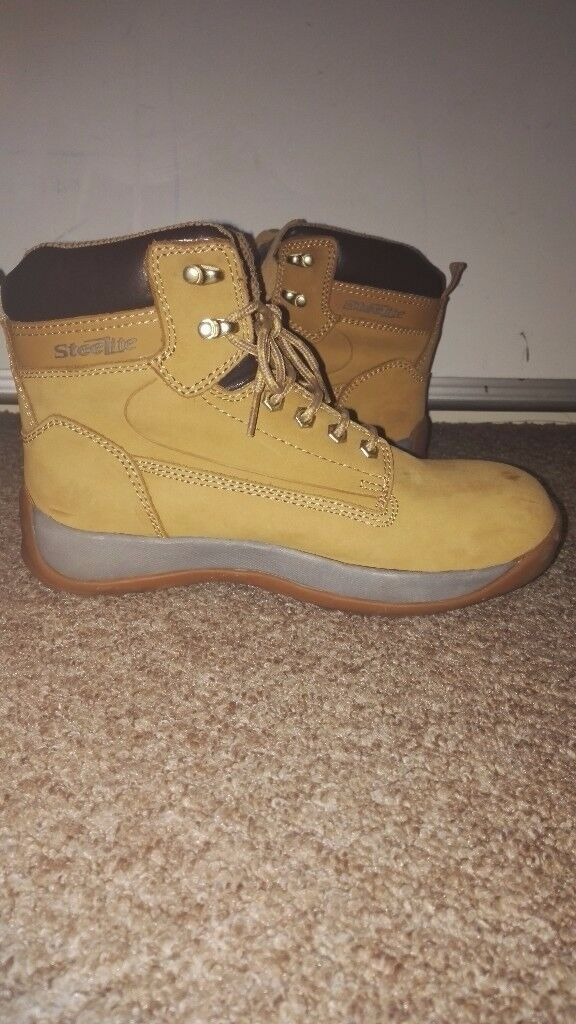 Steel toecap work boots worn once size 6