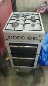 Free standing cooker oven