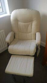 Nursing rocking chair with footstool
