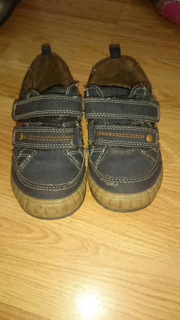 Debenham size 5 toddler shoes