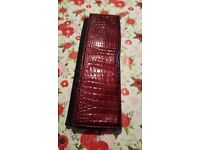 Heat resistant faux snake skin case for straighteners