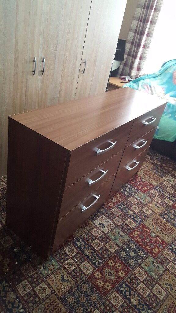 Brand new brown chest of drawers £80