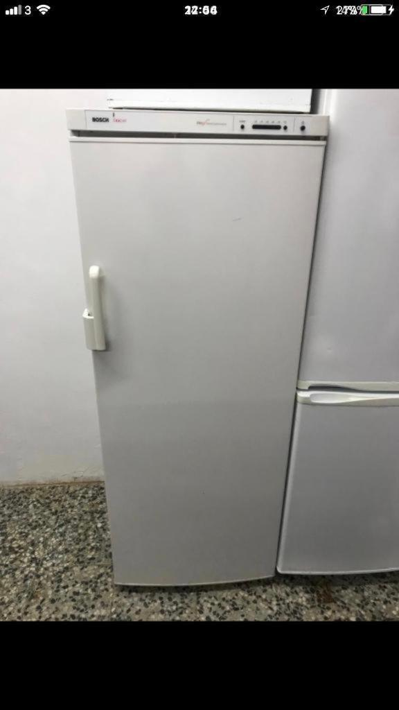 Bosch fridge full working 4 month warranty free delivery and installation thanks 🙏