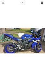 Yamaha yzf r1 Blue stunning bike