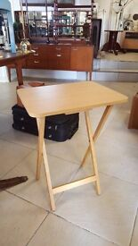 Foldable side table - Great condition