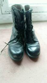 Leather mens army boots