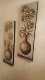 2 piece wall frame in good condition