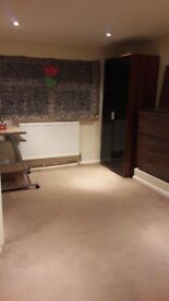 Beautiful Spacious Ensuite Room to rent in East Ham 650p/m