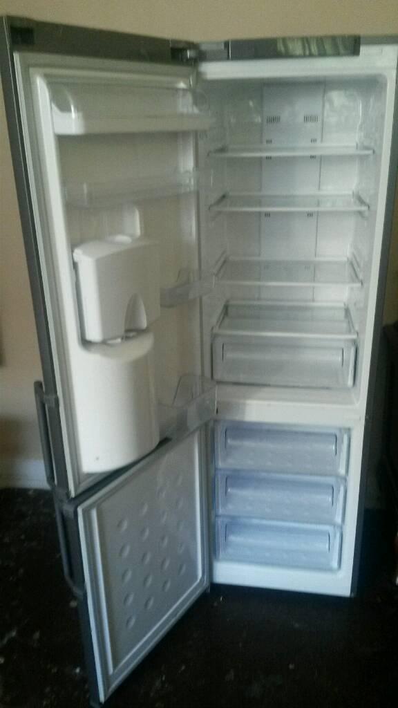 Fridge freezer Samsung frost free