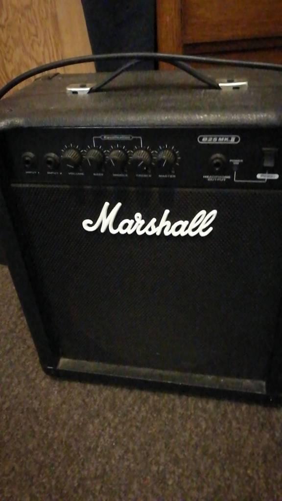 Marshall Amp B25 MKII 25 Watt Bass Combo