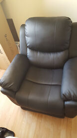 MADISON REAL LEATHER RECLINER ARMCHAIR SOFA *Mint Condition!*