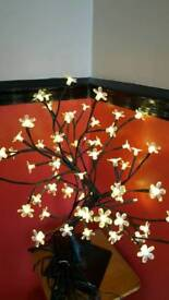 Small blossom lamp
