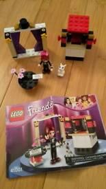 Lego Friends Mia's Magic Tricks 41001 (discontinued set)