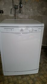 Excellent condition dishwasher under a year old. prewash and 4 other wash settings.