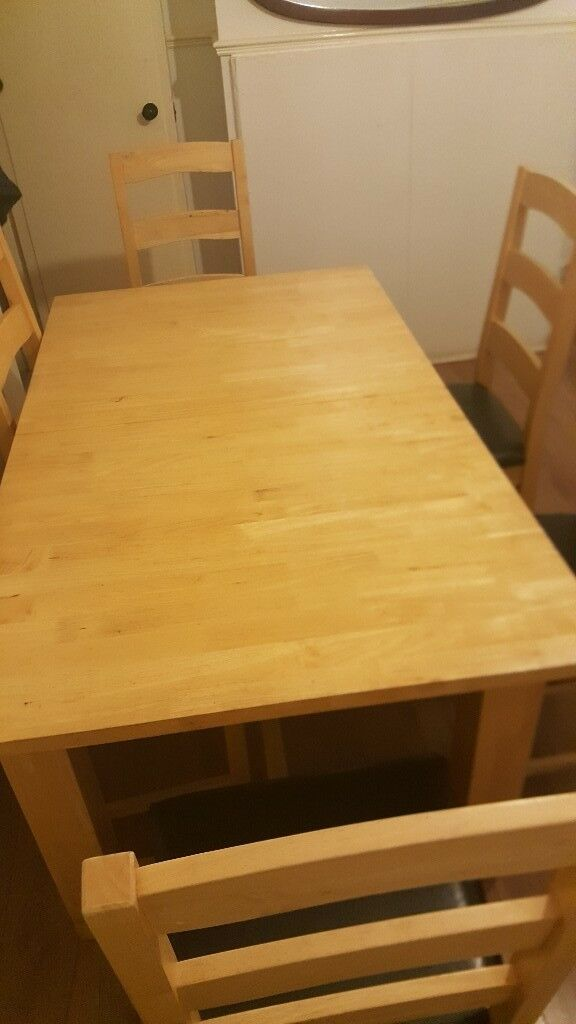 Extensible solid Oak dining table & 6 chairs