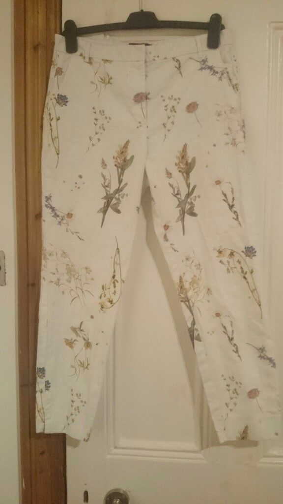 RIVER ISLAND WHITE FITTED FLORAL TROUSERS SIZE 12 REGULAR