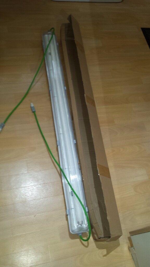 T8 Fluorescent Lights 240V 4Ft 1 x 36w