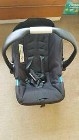 Baby cot with matress and accessories plus car seat 0 to 13kg plus baby tub