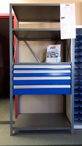 Système d'étagère métallique avec tiroirs