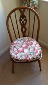 ERCOL WINDSOR FLEUR-DE-LYS DINING CHAIRS WITH ORIGINAL CUSHIONS (UNUSED)
