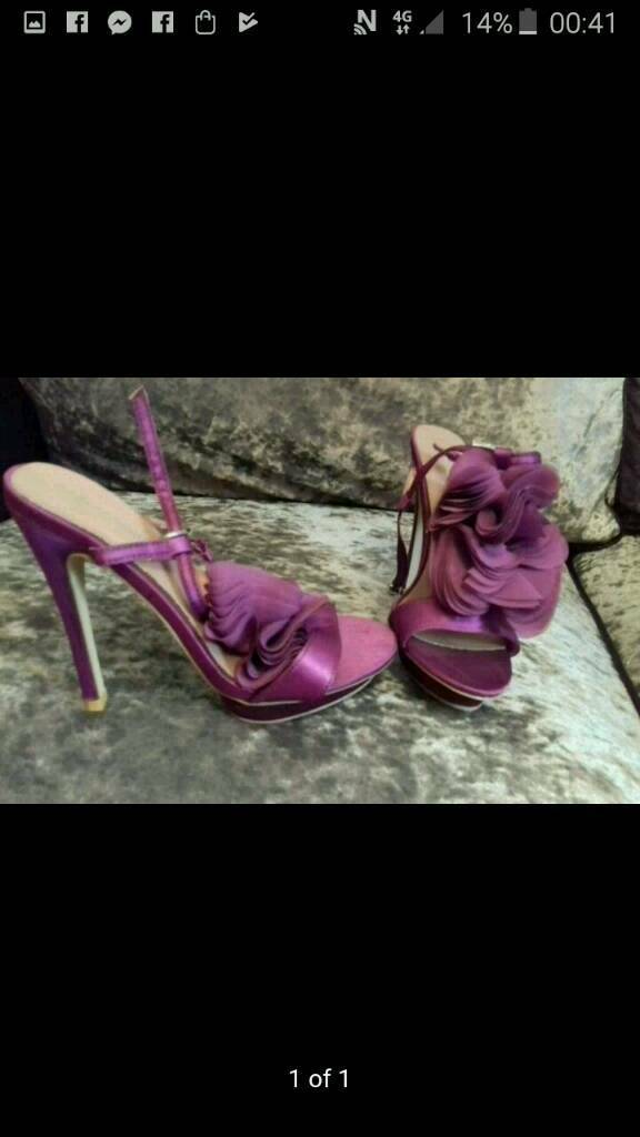 Stunning Brand new purple flowered ankle strap shoes size 6