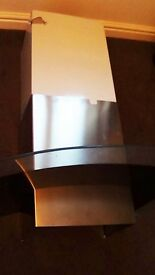 Curve Glass Cooker Hood and Chrome Chimney