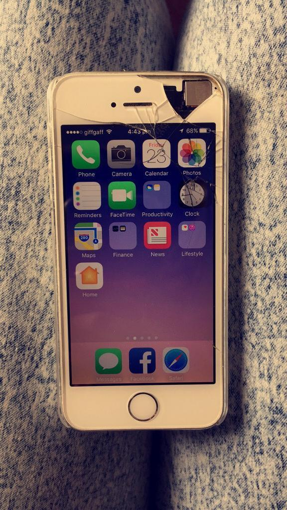 iPhone 5s unlockedin Lytchett Matravers, DorsetGumtree - Unlocked to all networksObviously the screens cracked (phone still works)Lock button doesnt work£90Collection oakdale