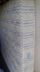 Good clean 5' ' King' mattress