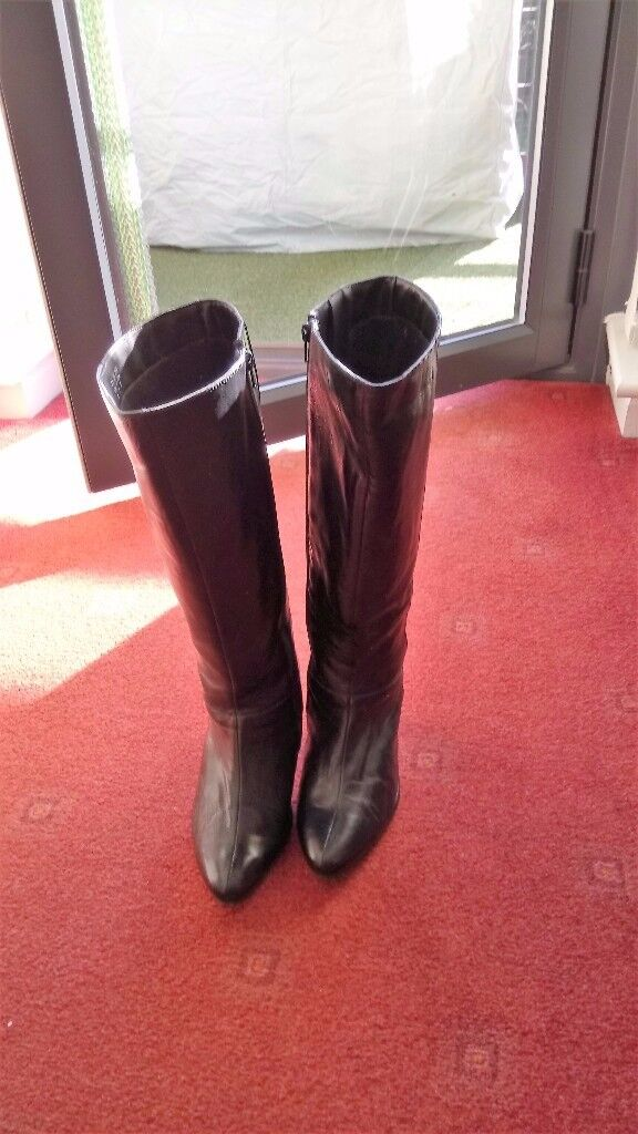 Ladies Extra Wide Calf Boots