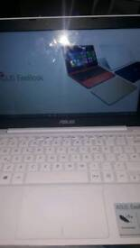 ASUS Eeebook laptop with charger great condition