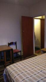 Two room ensuite studio flat with 1 Bedroom: DE22 - Warner Street - Near Burton Road