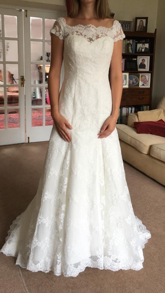 Brand New Wedding Dress Size 12 14 Never Worn