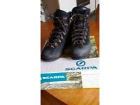 Scarpa crosta pro boots size 44 suitable for crampons
