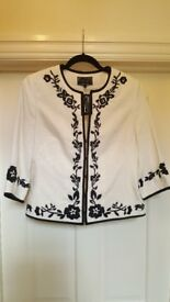 New with tag cream and black linen blend embroidered jacket size 10