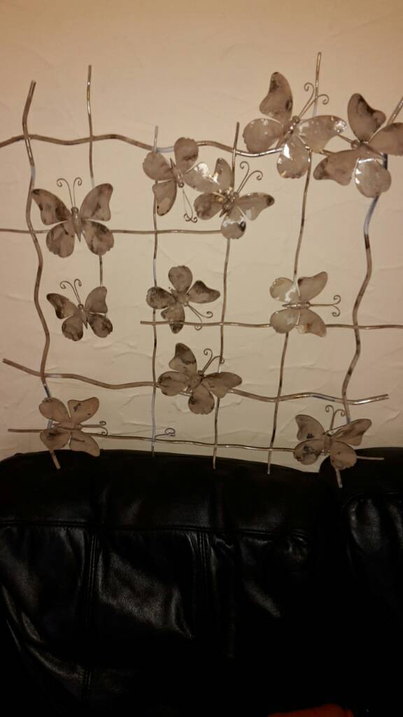 Free wall hanging decoration