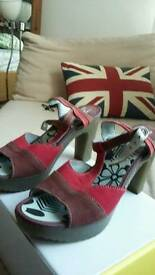 Sandals size 39 EU/6 UK