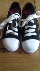 Heelys kids roller shoes size 12