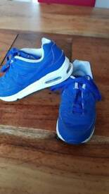 Boys Nike air trainers size 9.5