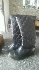 Ladies size 5 Black Wellingtons