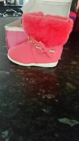 Brand new kids size 5 boots